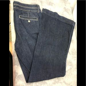 Limited Edition Gap. Flare leg dark wash  29/8